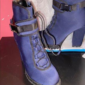 Size 6.5 2 1/2 inch heels